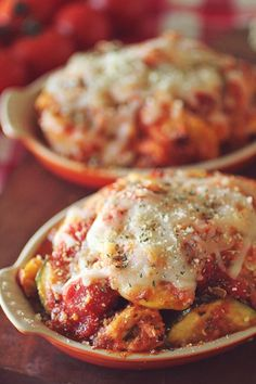 Crockpot Chicken Zucchini Parmesan a great set it and forget it meal for busy families! @smilesandwich #ReadywithTeeter