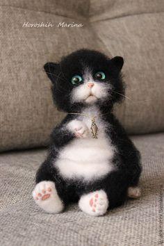 Купить Котик Мурзик. - черно-белый, Валяние, валяная игрушка, валяние из шерсти