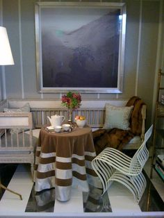 David Kleinberg vignette for Rooms with a View 2010. Gustavian settee.