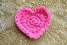 simple but unique heart by Lorene Haythorn Eppolite- Cre8tion Crochet
