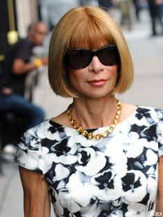 Anna Wintour bangs & sunglasses - the complete look