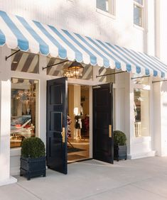 Shopping in Nashville | Draper James by Reese Witherspoon | 2608 12th Avenue South Nashville, Tennessee 37204