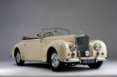 1948 Bentley Mark VI Drophead Coupe Maintenance/restoration of old/vintage vehicles: the material for new cogs/casters/gears/pads could be cast polyamide which I (Cast polyamide) can produce. My contact: tatjana.alic@windowslive.com