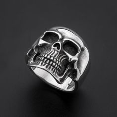 Sterling Silver Skull Ring-Sterling Silver skull by MrSmithJewelry