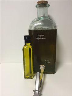 Ingwer auf Olivenöl - Spanisches Olivenöl nativ extra mit einer feinen, würzigen Ingwernote. Dieses Öl überzeugt mit seiner milden Schärfe in einer Vielzahl von frischen Salaten und vor allem auch Saucen. Für die asiatische Küche, Sushi, exotische Salate und Saucen ist dieses Olivenöl bestens geeignet.