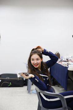 nayeon ♡ twice Kpop Girl Groups, Korean Girl Groups, Kpop Girls, Twice Jyp, Tzuyu Twice, Seoul, Warner Music, Nayeon Twice, Im Nayeon