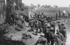 Battle of the Somme. British prisoners on the road; Le Mesnil, August 1916. WOERNER EUGEN (HERR) COLLECTION