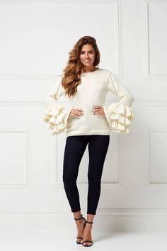 Пуловер с воланами на рукавах Sofia