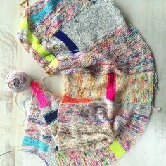 Scarfy Thing by Hedgehog Fibres. Great way to improvise and use up sock yarn scraps and leftovers.