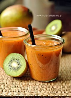 Smoothie z mango, kiwi i marchewką/ Mango, kiwi, carrot smoothie Carrot Smoothie, Raspberry Smoothie, Yummy Smoothies, Juice Smoothie, Smoothie Drinks, Yummy Drinks, Healthy Drinks, Smoothie Recipes, Chocolate Smoothies