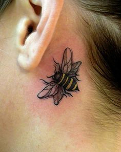 25 Fabulous Bumble Bee Tattoo Designs / of 23 Photos Bumble Bee Tattoo, Honey Bee Tattoo, Cool Small Tattoos, Cute Tattoos, Beautiful Tattoos, Tatoos, Bee Tattoo Meaning, Tattoos With Meaning, Tattoo Meanings