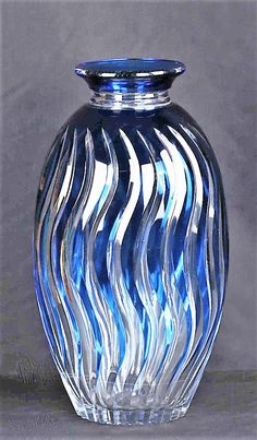Val Saint-Lambert vase ADP46 - Catalogue Cristaux de Fantaisie 1926. H 39 cm.