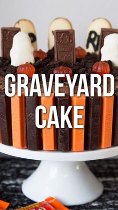 Halloween Graveyard Cake Halloween Graveyard Cake…serve up this spooky chocolate graveyard cake for your next Halloween party! It's super easy and delicious! Halloween Desserts, Halloween Food For Party, Halloween Treats, Graveyard Cake, Halloween Graveyard, Halloween Halloween, Fall Recipes, Sweet Recipes, Holiday Recipes