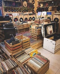 Music News – Specialists in Buying, Selling & Collecting Rare & Vintage Vinyl Records, Albums, LPs, CDs & Music Memorabilia Retro Vintage, Vintage Music, Vinyl Storage, Record Storage, Lp Storage, Music Aesthetic, Aesthetic Vintage, Geek Wallpaper, Music Poster