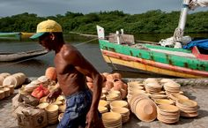 Cerâmicas em Maragogipinho, a caminho da Feira de São Joaquim, na Bahia