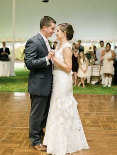 Get Expert Wedding Planning Advice And Find The Best Ideas For Decorations Flowers Cakes Songs More