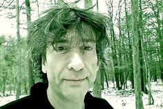 "Watch Neil Gaiman Recite ""Jabberwocky"" in the Woods"
