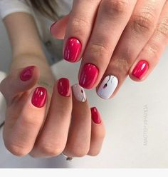 Manicure diy short nails glitter 60 ideas for 2019 Red Nails, Glitter Nails, Hair And Nails, Manicure E Pedicure, Super Nails, Fabulous Nails, Flower Nails, Nail Trends, Simple Nails