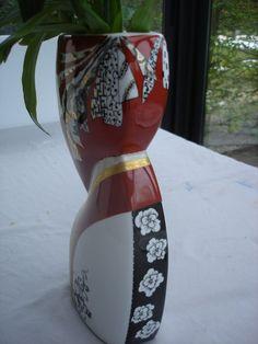vase rouge, noir et or .....