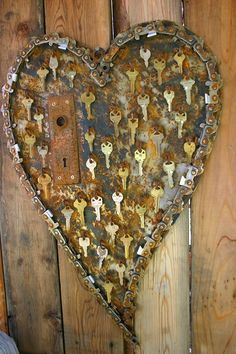 Wonderful recycled metal heart decorations Garden Art Metal Collage so cool key to my heart art! The post Wonderful recycled metal heart decorations appeared first on Garden Easy. Key Crafts, Metal Crafts, Arts And Crafts, Yard Art Crafts, Paper Crafts For Kids, Yarn Crafts, Old Keys, Keys Art, Scrap Metal Art