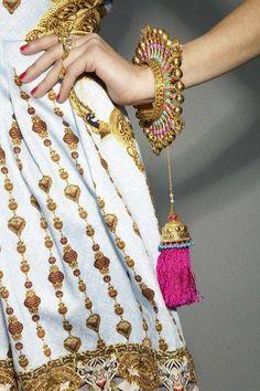 WOT inspiration: / Manish Arora Spring 2013 Collection (Amrapali's jewelry collection at Manish Arora Bridal Bangles, Wedding Jewelry, Ethnic Jewelry, Indian Jewelry, Funky Jewelry, Jewelry Model, Stylish Jewelry, Amrapali Jewellery, Fashion Accessories