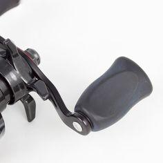 Daiwa SV 105HSL (Linkshandmodell): High-Speed Baitcastrolle mit speziellem Freilausystem zum Fischen auf Barsch, Hecht & Rapfen mit kleinen Ködern ab 4g Gewicht. - 175g Eigengewicht / 8 Kugellager / 7,2:1 Übersetzung / 0,32mm/80m Schnurfassung / 5kg Bremskraft Ball Storage, Twine