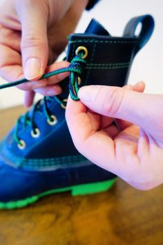 How to Tie Bean Boots - Carly the Prepster How To Lace Converse, Converse Laces, Ll Bean Boots, Duck Boots, Sunnies, Fall Outfits, Prepping, Beans, Photoshop