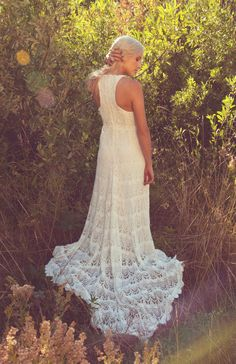 I like the back of this casual wedding dress.