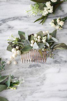 Flower Crown Bride, Bride Flowers, Bridesmaid Flowers, Flowers In Hair, Pearl Flower, Bridal Comb, Pearl Bridal, Casco Floral, Wedding Hair Pieces