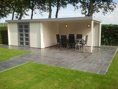 tuinhuis met overkapping zelf maken - Google zoeken Gardening Tips, Patio, Outdoor Decor, Home Decor, Google, Gardens, Wine Cellars, Shed, Garden Landscaping