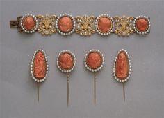 Parure de la reine Hortense composée d'un bracelet et de quatre