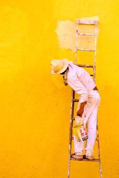 rupertconant: Painter. Oaxaca. Mexico 1992. Photo © Rupert Conant