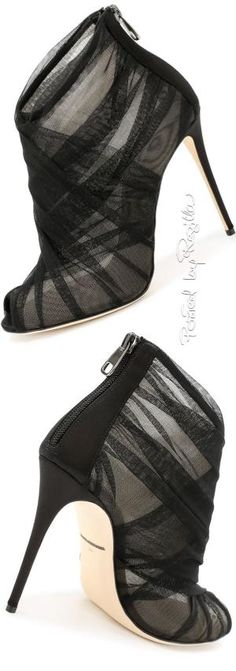 New Looks and Modest Fall / Winter fashion arrivals. New Looks and Trends. New Looks and Trends. Hot Shoes, Crazy Shoes, Me Too Shoes, Pretty Shoes, Beautiful Shoes, Beautiful Dream, Absolutely Gorgeous, Beautiful Pictures, Zapatos Shoes