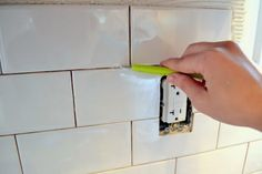 How to Tile a Kitchen Backsplash - The Ugly Duckling House