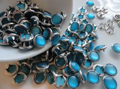 12 Snaps Pearl Teal Set  4 Part Prong Size 16 by hookedbykmorey