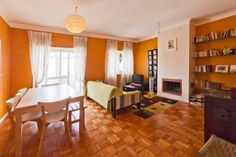 We love the bright orange and charisma this home has to offer! Located in Porto, Portugal.  #hovelOn