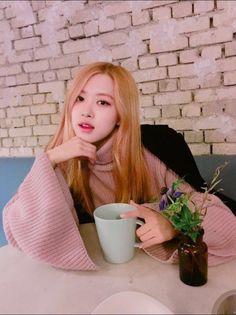 BLACKPINK - Rosé 로제 (Park ChaeYoung 박채영) aka Roséanne Park 로잔느 박