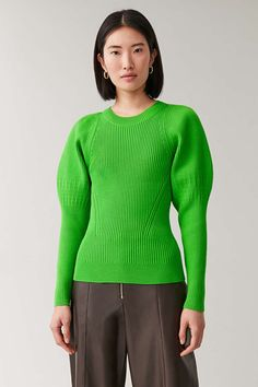 Shop jumpers and cardigans from the women's knitwear collection at COS; Fashion 2020, Fashion Trends, Knit Fashion, Men's Fashion, Green Tops, Sweater Weather, Get Dressed, Knitwear, Women Wear