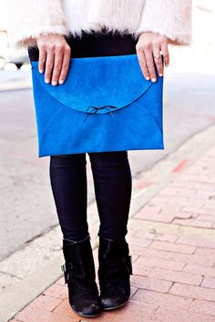 I accidentally took an extra long break over the holidays! Oops! My little brother got married and I just enjoyed the time with family. I meant to post this before Christmas, but life happened, and that's okay! So anyways, here is that cobalt blue clutch I showed you a few weeks ago! This is such …