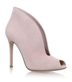 GIANVITO ROSSI Lombardy Boot. #gianvitorossi #shoes #