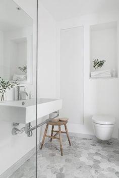 You need a lot of minimalist bathroom ideas. The minimalist bathroom design idea has many advantages. See the best collection of bathroom photos. Bathroom Floor Tiles, Bathroom Toilets, Bathroom Renos, Laundry In Bathroom, Bathroom Interior, Bathroom Ideas, Master Bathroom, Light Bathroom, Industrial Bathroom