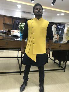 Waistcoat Designs, Waistcoat Men, Mens Kurta Designs, Wedding Kurta For Men, Wedding Dresses Men Indian, Wedding Dress Men, Blazer Outfits Men, Groomsmen Outfits, Indian Men Fashion