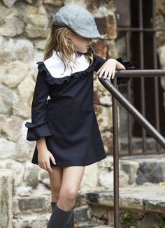 Ropa infantil con estilo Pepitobychus - /prfashionbeauty/fashion-kids/ BACK Little Girl Fashion, Little Girl Dresses, Girls Dresses, Girls Fashion Kids, Vintage Kids Fashion, Cool Kids, Look Girl, Little Fashionista, Kid Styles