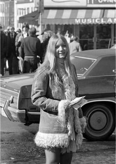 Le Fashion: 45 Incredible Street Style Shots From The Mode Hippie, Hippie Look, Hippie Man, Hippie Style, Seventies Fashion, 60s And 70s Fashion, Retro Fashion, Vintage Fashion, Hippie Fashion