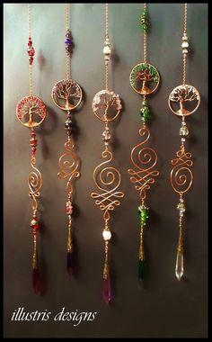 Tree of life unalome suncatcher Wire Jewelry Designs, Handmade Wire Jewelry, Wire Wrapped Jewelry, Earrings Handmade, Wire Crafts, Bead Crafts, Jewelry Crafts, Copper Wire Art, Bijoux Fil Aluminium