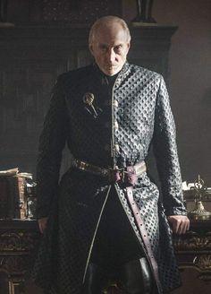 Twyin Lannister (Charles Dance) : Mort sur le trône... mais pas celui de fer ! TOUT UN SYMBOLE ! (Saison 4, épisode 10)