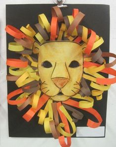 For art class this week I wanted to do something connected to the book we are re. - For art class this week I wanted to do something connected to the book we are reading, David Living - Lion King Crafts, Lion Craft, Lion King Art, Club D'art, Art Club, Art Roi Lion, Construction Paper Art, Construction Paper Projects For Kids, African Art Projects