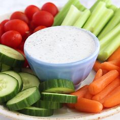 Recipes Videos It's hard to find ranch dressing without a long list of ingredients. This recipe will show you how to make Healthy Homemade Ranch Dressing with a clean ingredient list, so you'll never have to go to the grocery store for dressing again! Healthy Homemade Ranch, Homemade Ranch Dip, Homemade Ranch Dressing, Recipe For Ranch Dressing, Homemade Vegetable Dip Recipe, Healthy Ranch Recipe, Clean Ranch Dressing, Healthy Ranch Dressing, Low Carb Salad Dressing