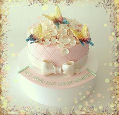 Butterfly cake-kelebek pasta-Party cupcakes-birthday -dogumgunu pastası- butik pasta, şeker hamuru, insan figürü,yetişkinlere, kadınlara, erkeklere, çocuklara, doğum günü, doğumgünü, yaş pasta, ankara, doğal, katkısız, sağlıklı, kişiyeözeltasarım, kişiyeözel, tasarım /birthday cake-party cake-