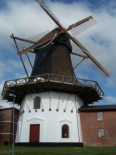 Højer Mølle (Højer windmill), Denmark.
